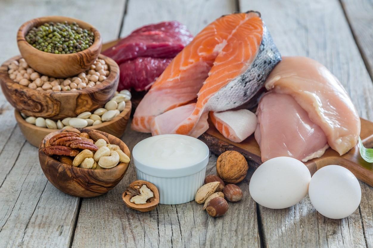 протеини храни бобови, риба, пилешки гърди, яйце, ядки