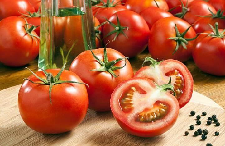 домат и черен пипер