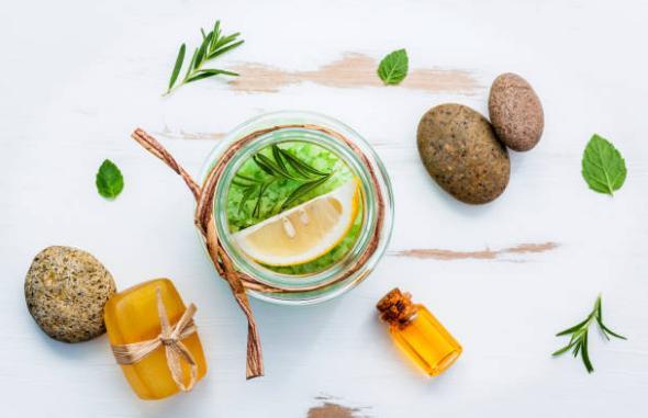 лимон, билки, камъни, листа