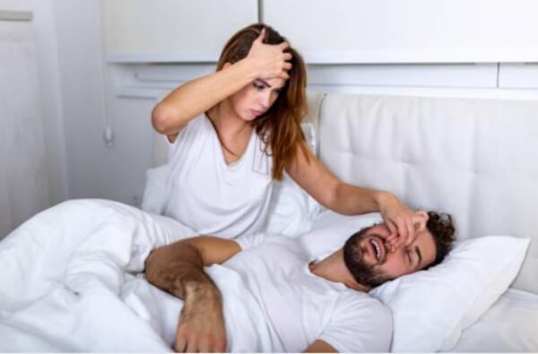 спиране на хъркане, двойка, легло