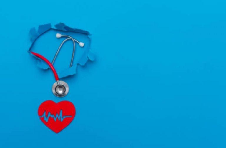 La vida con hipertensión: ¿cómo abordar sus síntomas de forma natural y tener un corazón sano?