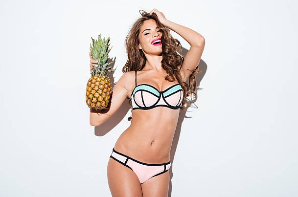 woman-pineapple