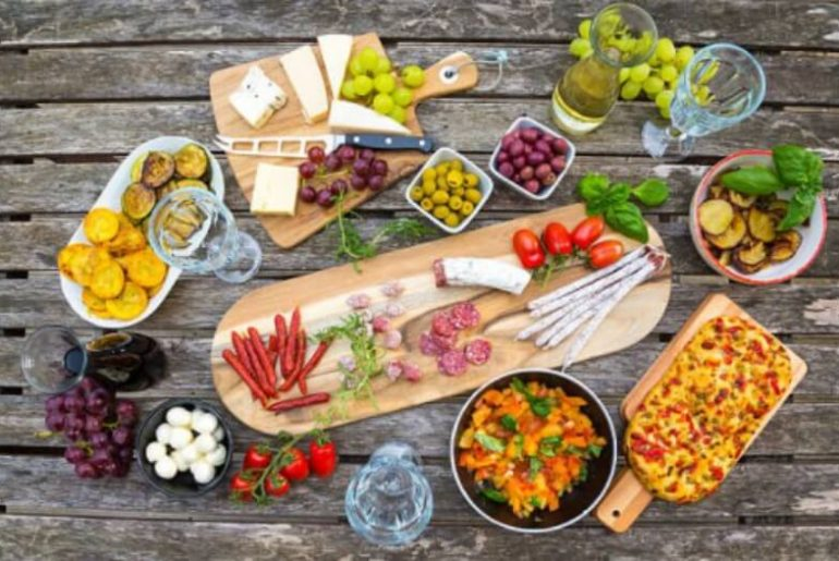 7 Best Mediterranean Diet Foods Everyone Should Try