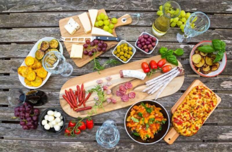 7 Best Mediterranean Diet Foods Everyone Should Try